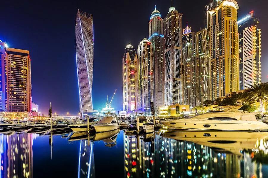 i 1 Бюджетный Дубай